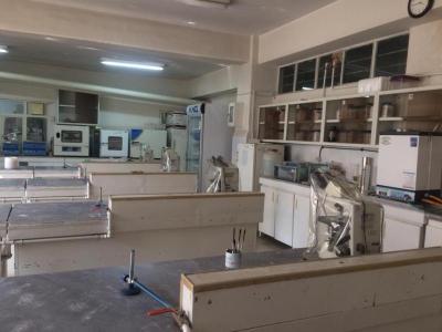 آزمایشگاه باکتری شناسی -